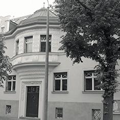 images/Galerien/05-Unternehmen/05-Geschichte/Geschichte-1947-Ansicht-K-Prendelallee_235x235.jpg