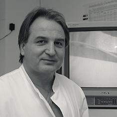 images/Galerien/05-Unternehmen/05-Geschichte/Geschichte-2000-Chefarzt-Rassler-Urologie_235x235.jpg