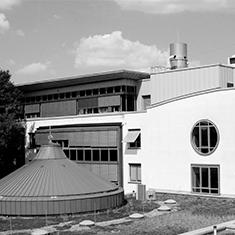 images/Galerien/05-Unternehmen/05-Geschichte/Geschichte-2008-Neubau-Haus-B-Station-15_235x235.jpg